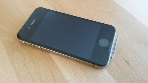 Apple iPhone 4 in Schwarz