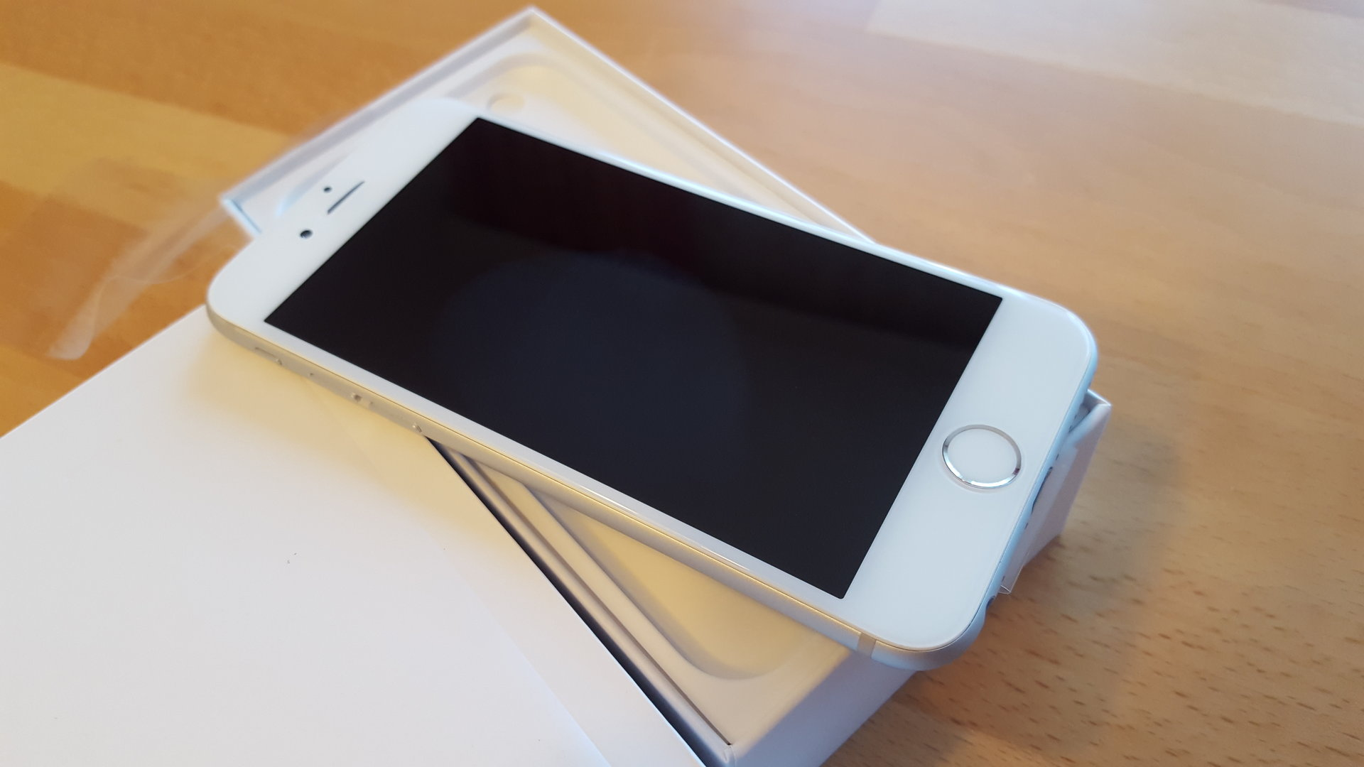 Apple iPhone 6 in spacegrau, gold oder silber